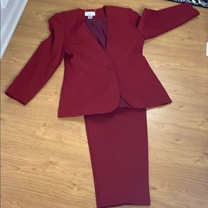 Focus 2000 Wine Red 2 Piece Pant Suit Size 12 wool